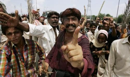 Pákistánci postižení povodněmi