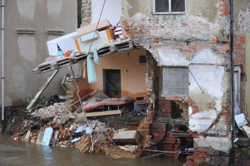 Poškozený dům v Hrádku nad Nisou