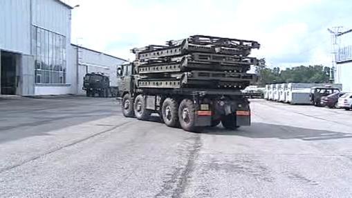 Převoz montovaných mostů