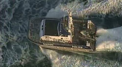 Policie stíhá loď s tamilskými uprchlíky