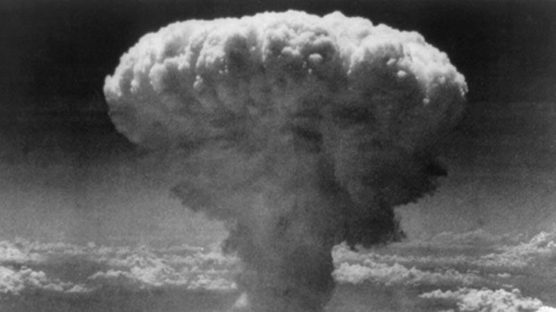 Atomový hřib nad Nagasaki