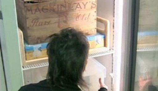 Whisky Mackinlay vykopaná z antarktického ledu