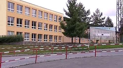 Zateplená škola ve Strašicích