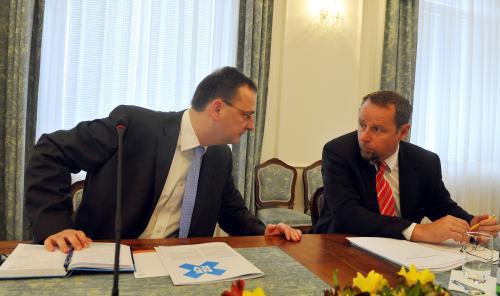 Premiér Petr Nečas a šéf poradců NERV Martin Říman