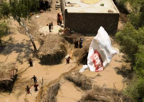 Humanitární pomoc pro oběti povodní v Pákistánu