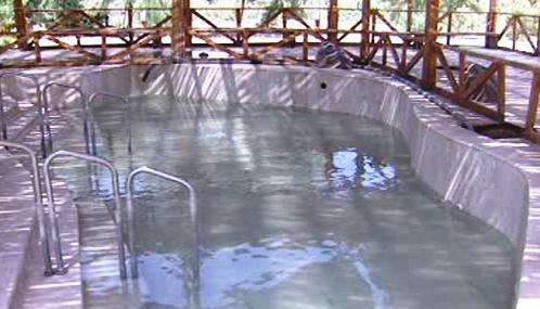 Jordánsko prodává vodu z poutního místa na Jordánu