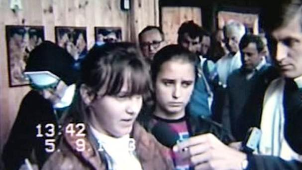 Iveta a Katka v roce 1990 po zjevení Panny Marie