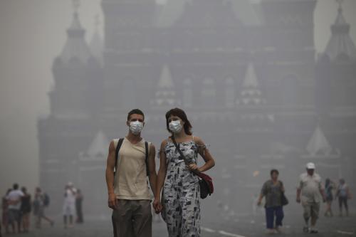 Moskva se dusí smogem