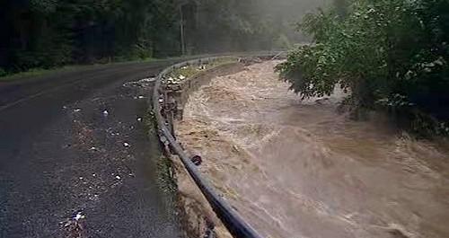 Rozvodněná řeka na Liberecku