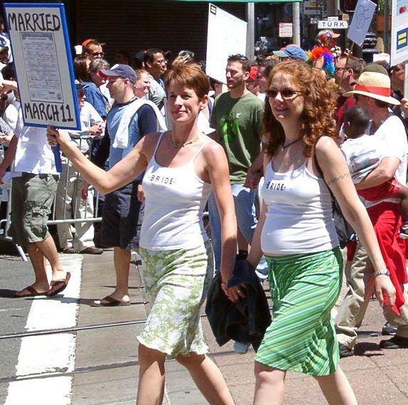 Lesbičky na kalifornské Gay Pride 2004