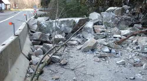 Spadlé kamení