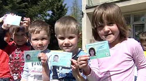 Děti s řidičskými průkazy