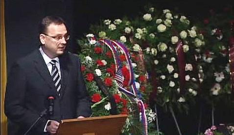 Petr Nečas na pohřbu Milana Paumera