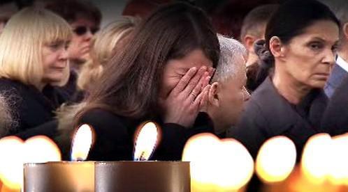 Polsko se loučí s oběťmi katastrofy u Smolenska