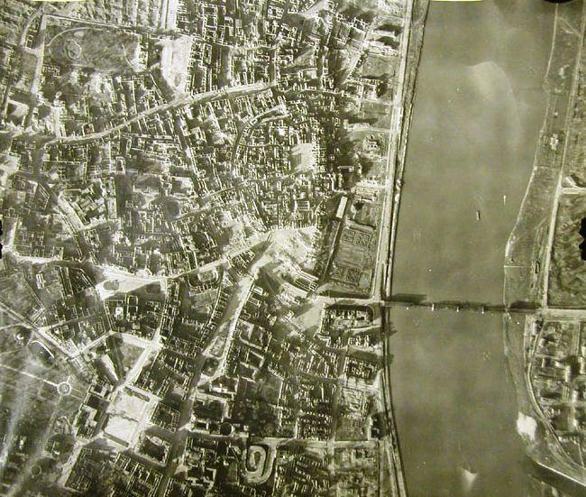 Letecká podoba Varšavy z doby Varšavského povstání