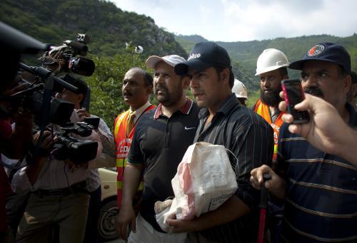 Vyšetřovatelé objevili černou skříňku zříceného pákistánského letadla