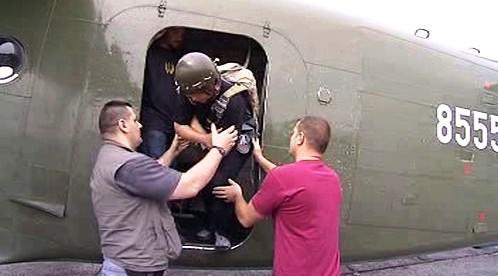 Vyšetřování smrti parašutistky