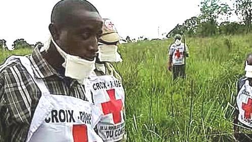 Pracovníci Červeného kříže v Africe