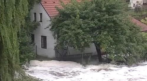 Déšť zvedl hladiny řek