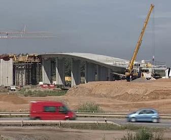 Výstavba silničního mostu