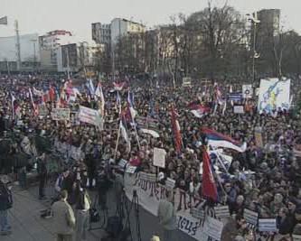 Demonstrace proti samostatnému Kosovu