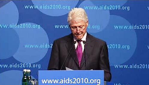 Bill Clinton na konferenci AIDS 2010