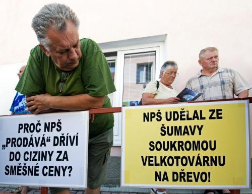 Protest proti vedení šumavského parku