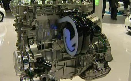 Hybridní motor