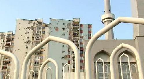 Mešita v rozstříleném Sarajevu