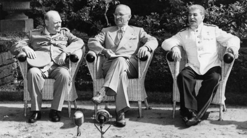 Jednání v Postupimi 1945