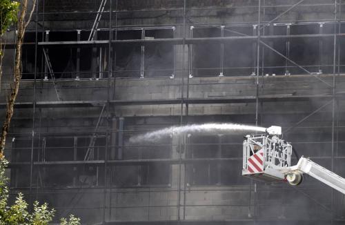 Hořící budova byla právě v rekonstrukci