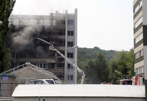 Hasiči dostali požár pod kontrolu