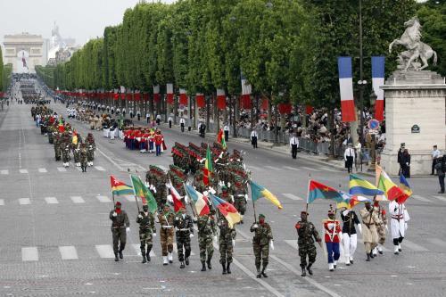 Vojenská přehlídka na Champs Elysées