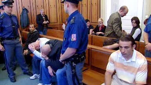 Obvinění Rumuni
