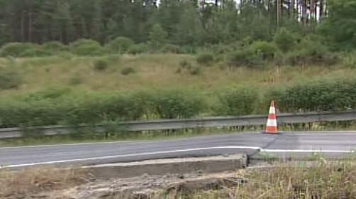 Poškozený úsek dálnice D5 na Tachovsku