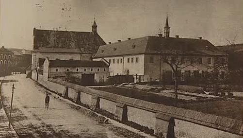 Bývalý františkánský klášter v Hostinném