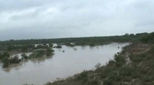 Přeplněná mexická přehrada Venustiano Carranza