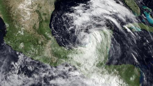 Aktuální stav tropické bouře Alex