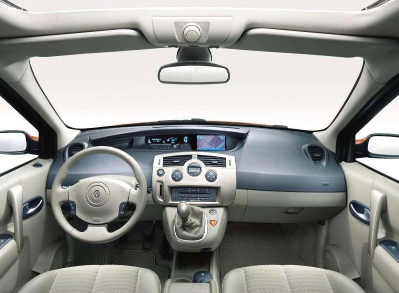 Renault Scénic II - interiér