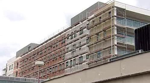 Rozestavěná budova onkologického centra
