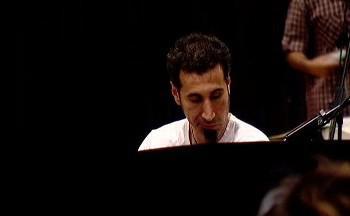 Serj Tankian naslouchá ČNSO