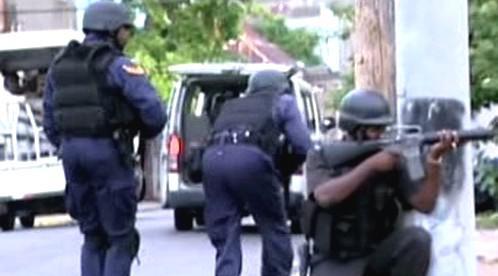 Zásah bezpečnostních složek na Jamajce