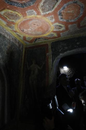 Apoštol Petr v záři reflektorů