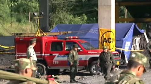 Kolumbijští záchranáři u dolu San Fernando