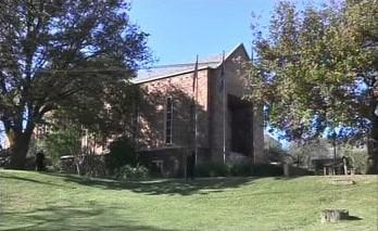 Školní kaple, kde proběhlo rozloučení