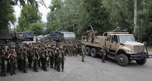 Kyrgyzští vojáci v Oši
