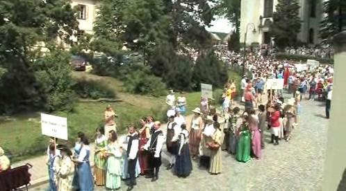 Historický průvod na zámku v Potštejně