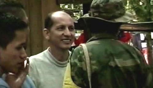 Kolumbijská armáda s osvobozeným rukojmím