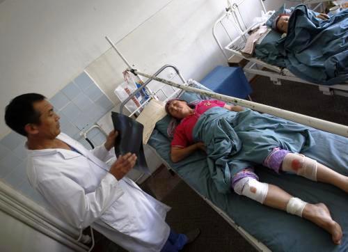 Zraněná žena v nemocnici v Biškeku