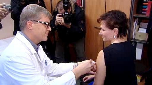 Ministryně zdravotnictví se nechává očkovat
